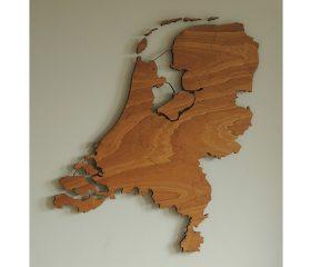 Houten kaart Nederland met provinciegrenzen